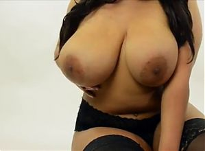 Big Natural Tits!! - Ameman